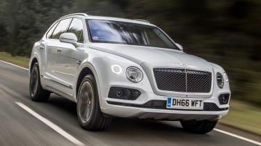 Bentley Bentayga Diesel - Ice white 2017 front tracking