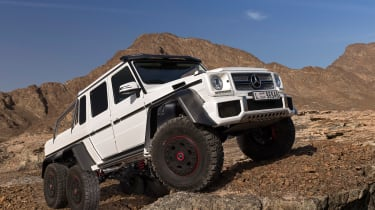 Mercedes-AMG G 63 6x6 off-road