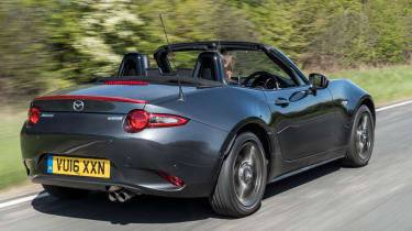 Mazda MX-5 Icon - grey rear tracking