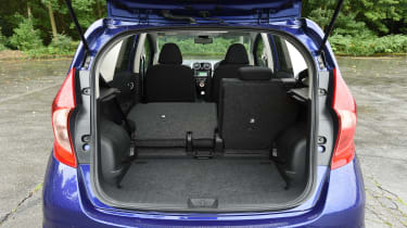 Nissan Note blue boot