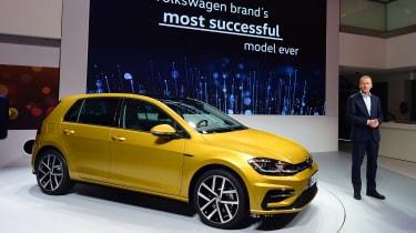 New 2017 Volkswagen Golf reveal - front presentation