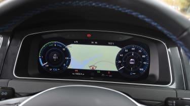 Volkswagen e-Golf - dials