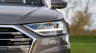 Audi A8 - front light