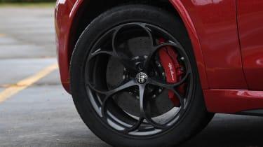 bmw x3 m vs Alfa Romeo Stelvio Quadrifoglio