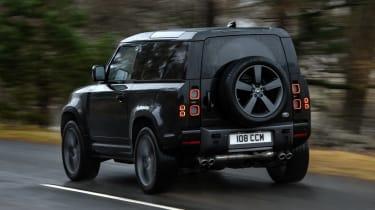 Land Rover Defender 90 V8 - rear action