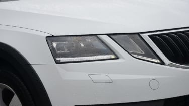 Skoda Octavia Scout review - front light