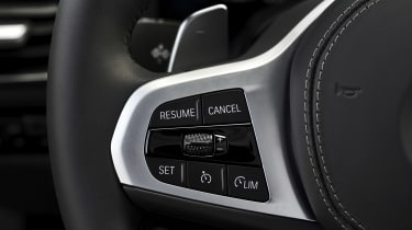 BMW M850i steering wheel buttons