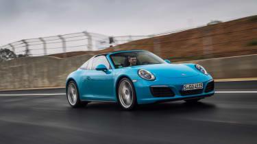 Porsche 911 Targa 4S 2016 - front tracking