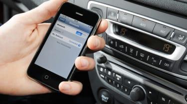 Renault Megane Sport Tourer iPhone connectivity