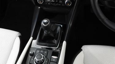 Mazda 3 Fastback - gear lever