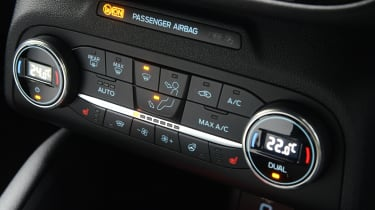 Ford Focus ST automatic - centre console