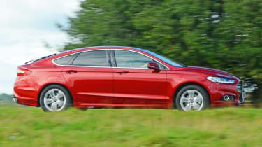 Ford Mondeo - side red