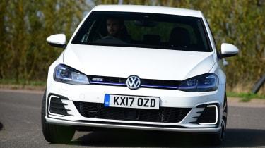 Volkswagen Golf GTE 2017 - front cornering