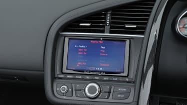 Audi R8 Spyder display