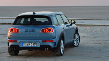 MINI Clubman ALL4 2016 - rear quarter 2