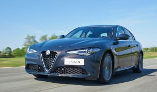 Alfa Romeo Giulia - front tracking 2
