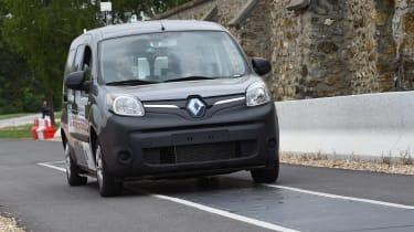Renault Kangoo wireless charging road