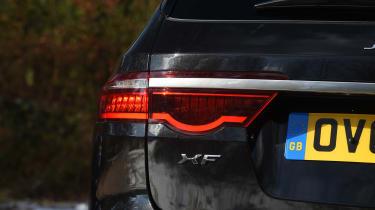 Jaguar XF Sportbrake 3.0 diesel S - rear light
