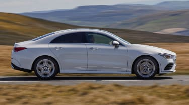 Mercedes CLA 250 AMG Line - side tracking