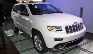 Jeep Grand Cherokee front three-quarters