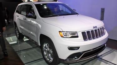 Jeep Grand Cherokee front three-quarters