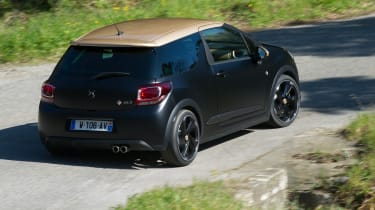 DS 3 Performance review 2016 - rear cornering