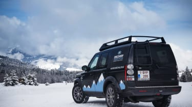 Land Rover Discovery XXV rear