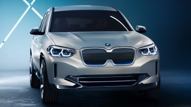 BMW iX3 - front static