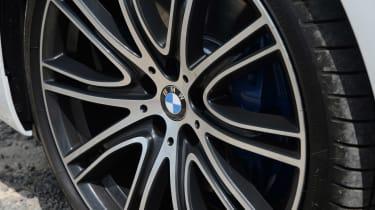 BMW 530e - wheel
