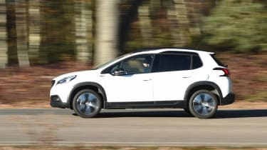 Peugeot 2008 - side