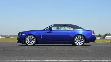 Convertible megatest - Rolls-Royce Dawn - roof