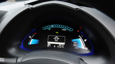 Used Nissan Leaf Mk1 - dials