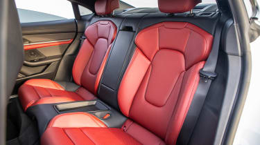 Porsche Taycan 4S - rear seats