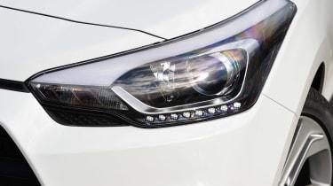 Hyundai i20 Coupe - front light detail