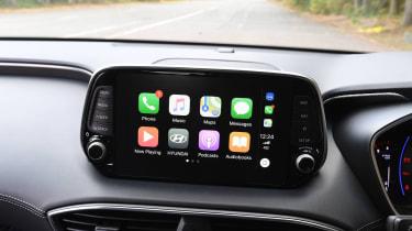Hyundai Santa Fe - Apple CarPlay