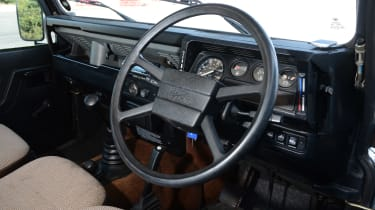 Land Rover Defender - modern classics dash