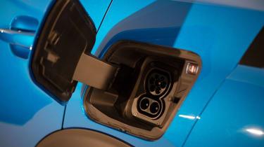 Peugeot e-2008 - charging port