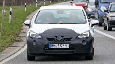 2019 Vauxhall Astra spyshot - full front