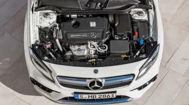 Mercedes-AMG GLA 45 2017 - engine