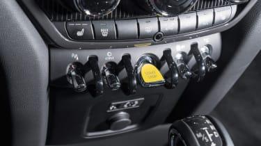 MINI Countryman S E - controls