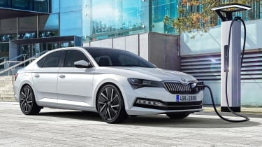 Skoda Superb iV - plug-in front