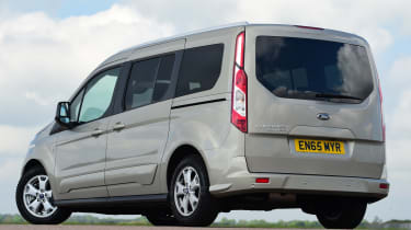 Ford Tourneo Connect 2016 - rear quarter
