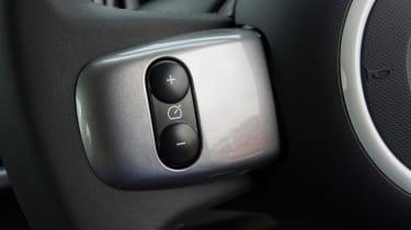 Triple test –Renault Twingo - steering controls
