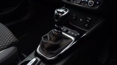 Vauxhall Crossland X - gearstick