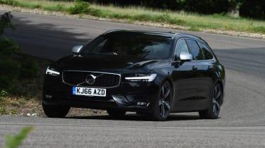 Volvo V90 - front cornering