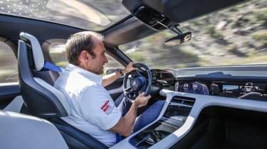 Porsche Mission E Cross Turimso - Thomas Geiger