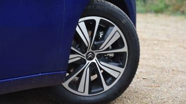Citroen Grand C4 Picasso 2016 - wheel