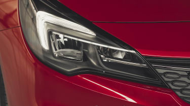 Vauxhall Astra 2019 facelift - headlight