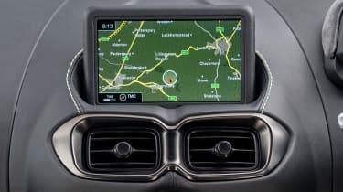 Aston Martin Vantage F1 Edition - infotainment