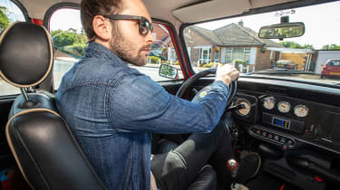 Mini Classic electric - driving